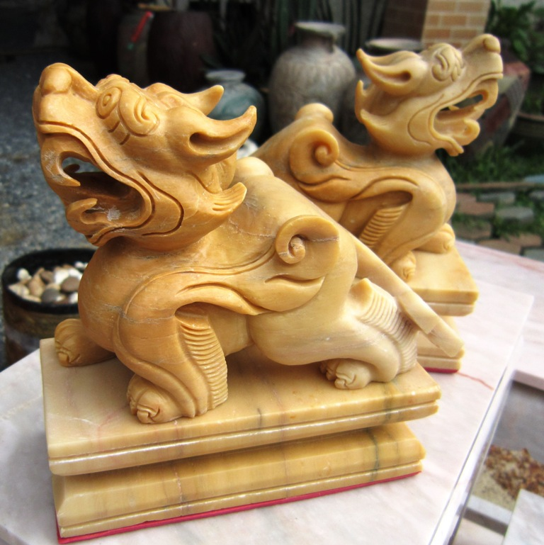 Pair of Hand Carved Marble Foo Dogs Pee Sia