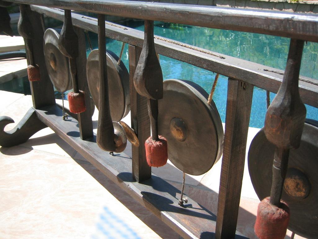 Laotian Gong