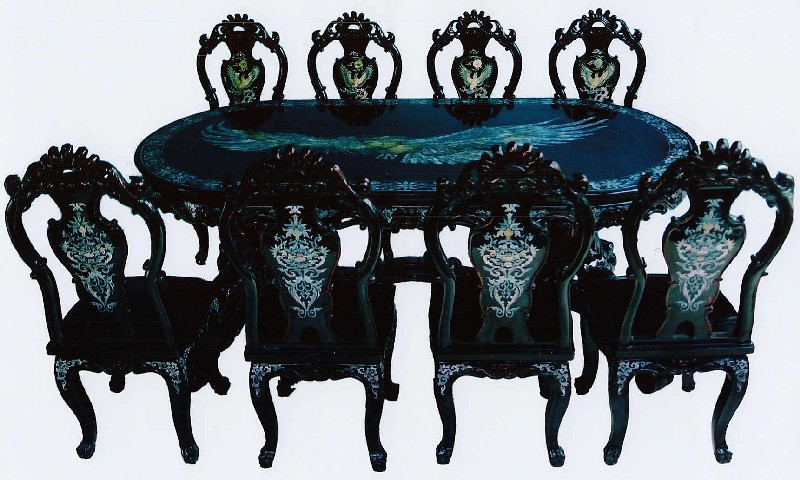 Flying Eagle dining set