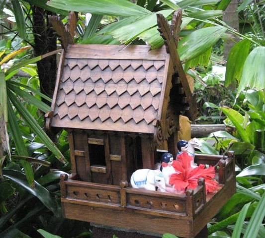 Thai Spirit House from Nongnit's Treasures