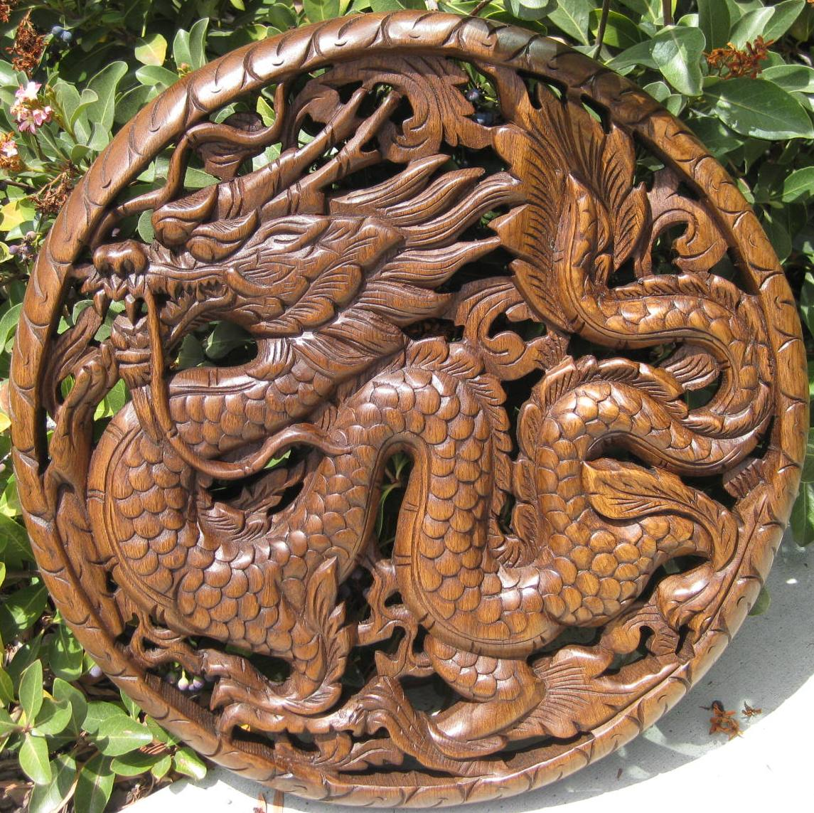 "18""  Round Dragon Teak Wood Panel"