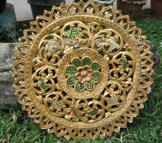 1.5ft round gold leaf panel